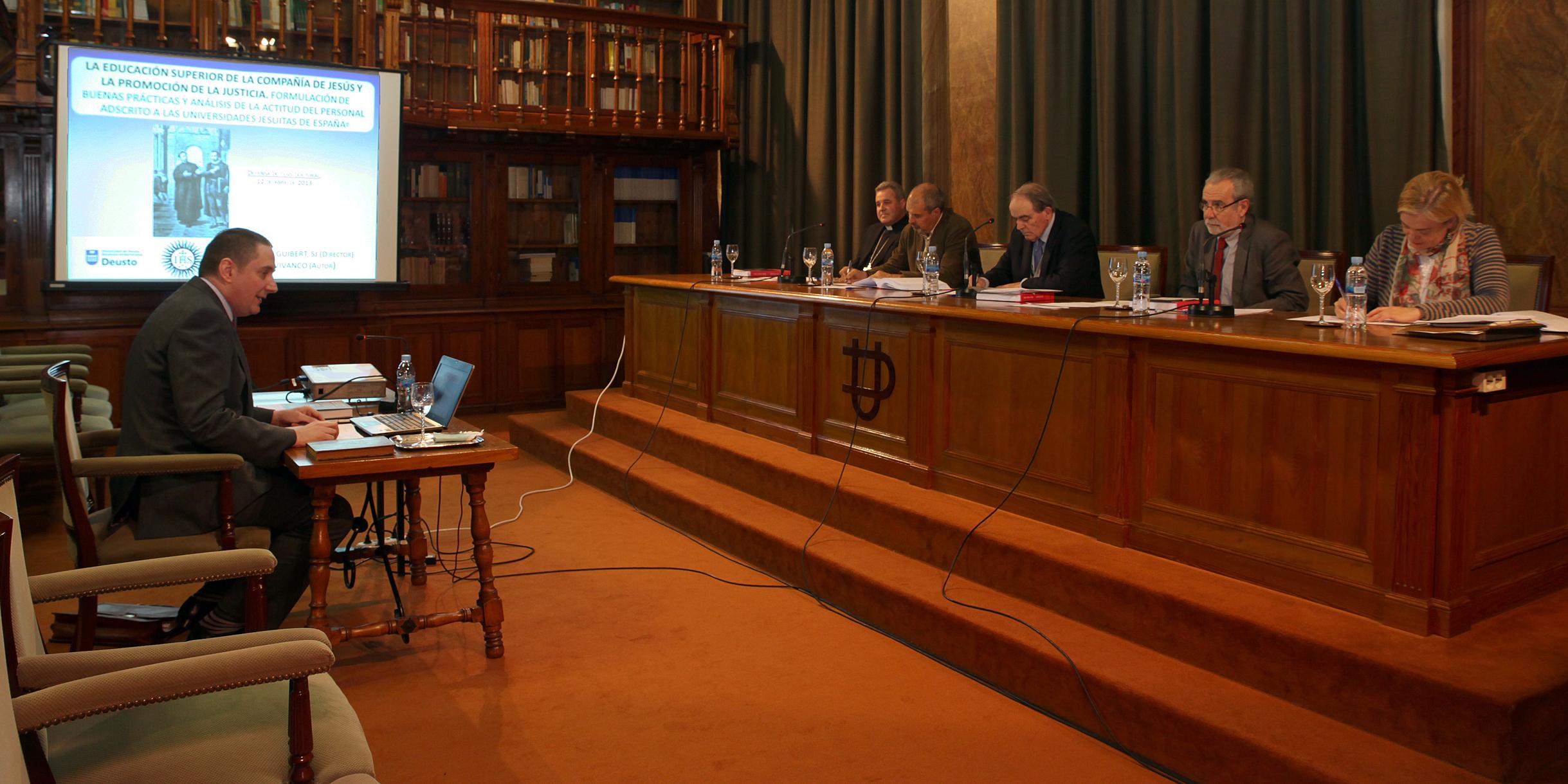 Defensa de la tesis doctoral de Irati Álvarez Piñero sobre un Programa de intervención postdivorcio