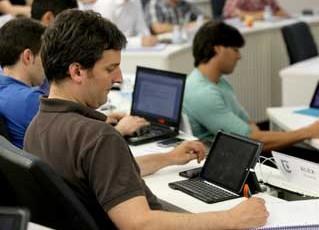 David Ruiz de Olanoren hitzaldia: Perfiles técnicos. Cómo orientarse al mercado y al cliente