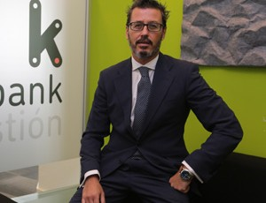 Deustalks with Joseba Orueta, managing director at Kutxabank Gestión
