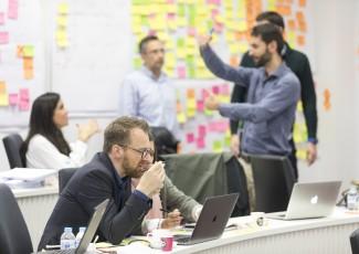 Hartu parte Executive MBA Blended-en  Masterclass Online batean