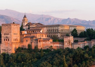 Deusto Business School participa en la feria FIEP Granada