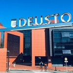 Welcome day for new Deusto Business School students at the San Sebastian campus